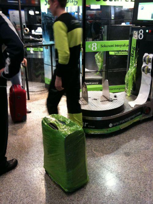 Billiger Koffer, teure Verpackung