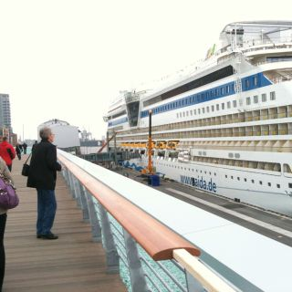 Cruise Center