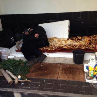 Advent, Advent, die Armut brennt.